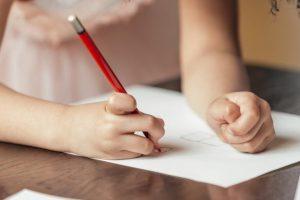 çocuk gelişim-parmak ve el kasları gelişim-çocuk etkinlik
